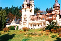 Transfer Bucharest To Peles Castle price